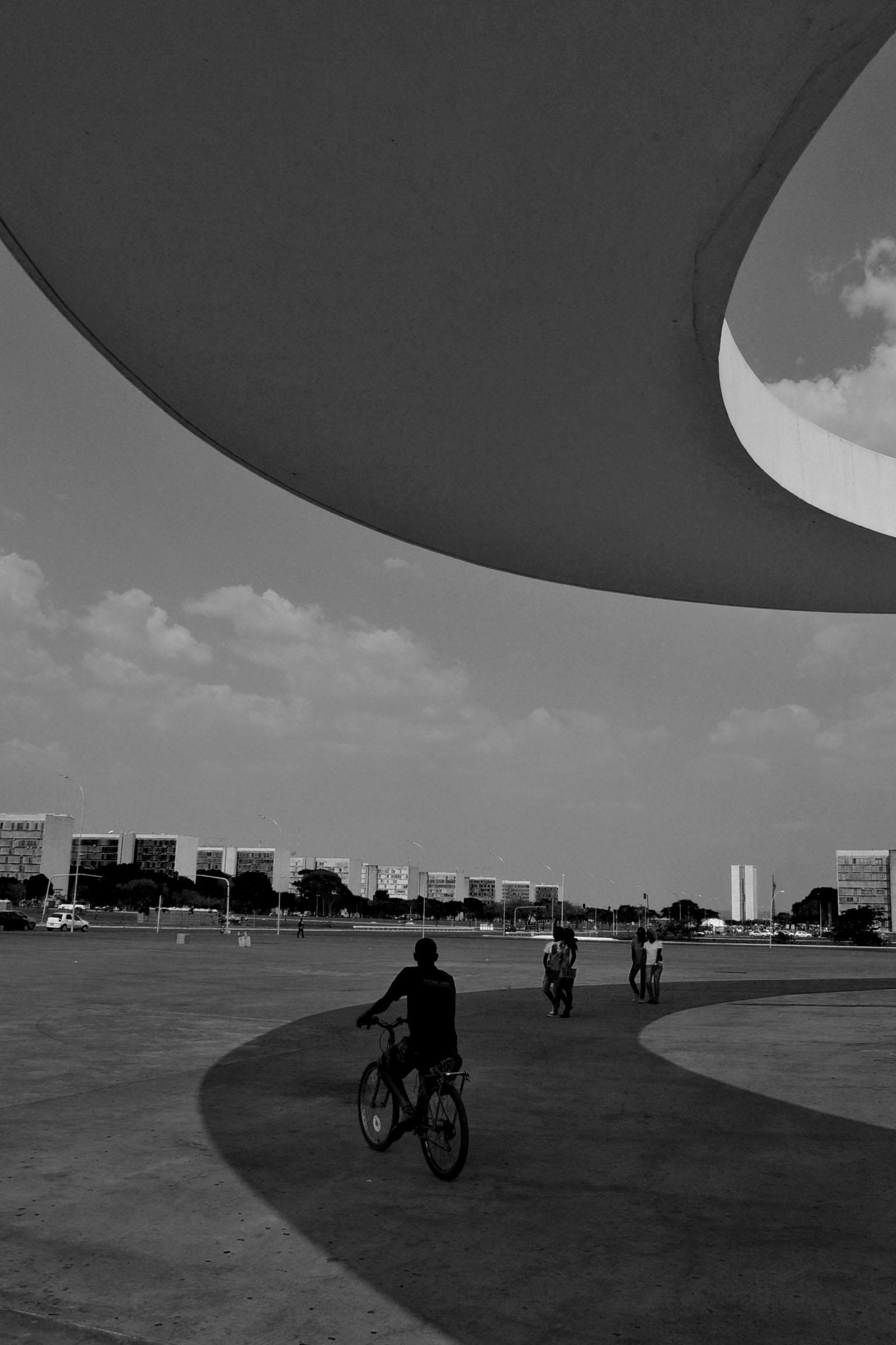 brasilia passerelle ombre