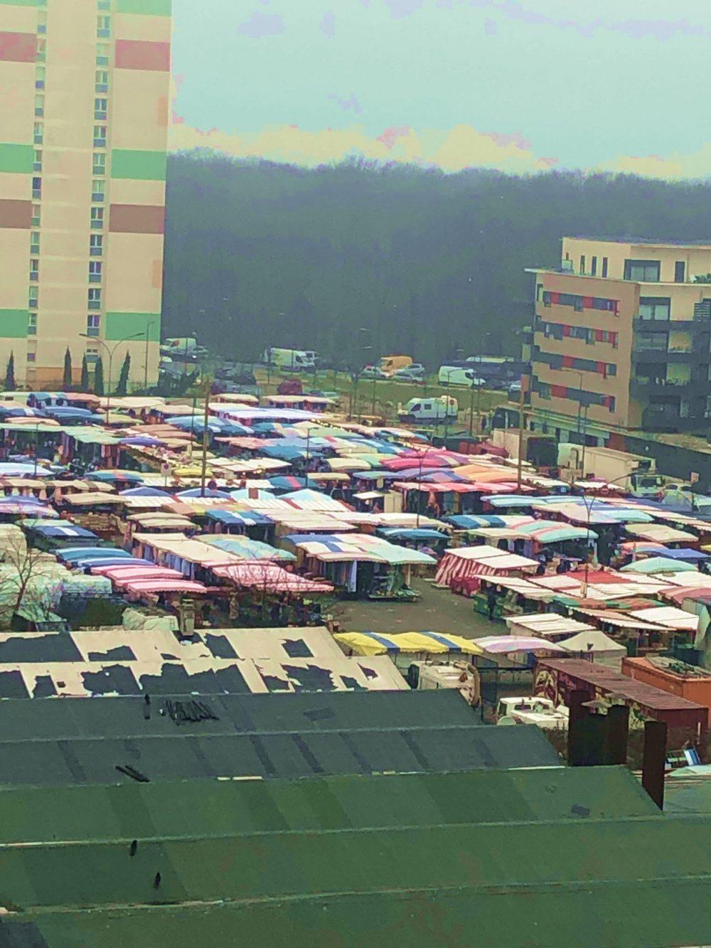 Le marché des Bosquets à Montfermeil